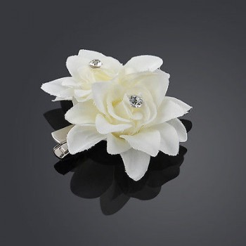 WHITE FLOWER CLIP PIN
