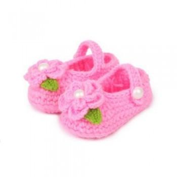 Pink flowery crochet bootie