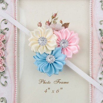 Soothing three flower mini headband